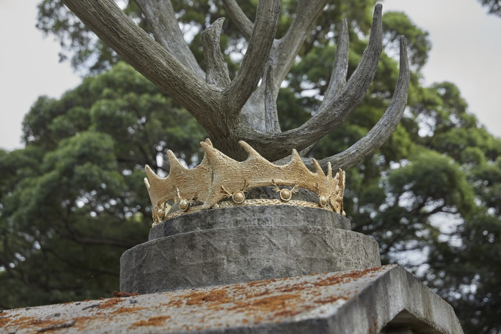 Game of Thrones Mausoleum 3D crown and antlers